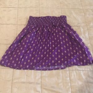 Patterned mini skirt with elastic waist